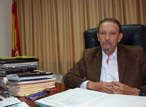 Juan Santana dice que las solicitudes de ayuda aumentan cada día.