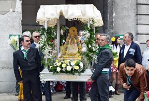 La Virgen del Rocío hace su entrada en el recinto Drie Fontainen.
