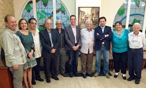 El secretario da Emigración con representantes de las entidades gallegas en la capital venezolana.
