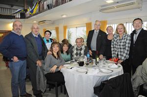 Importantes autoridades locales y de las instituciones de la colectividad asistieron a la celebración.
