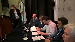 La firma del convenio tuvo lugar en el Teatro Castelao del Centro Gallego.