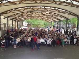 Vista del patio del Instituto Cañada Blanch durante el evento organizado por el Centro Gallego de Londres.