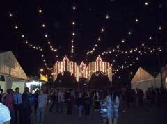 Con el alumbrado comenzó la Feria.