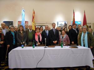 Foto de familia con los directivos que participaron de la reunión celebrada en el Centro Región Leonesa.