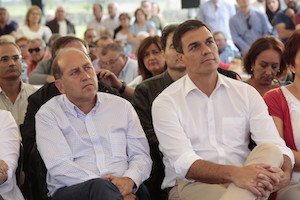Xoaquín Fernández Leiceaga y Pedro Sánchez en el acto del PSdeG en Cerceda.