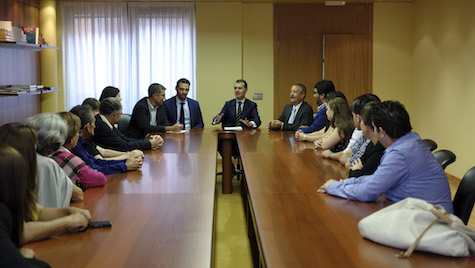 El secretario general de la Consejería de la Presidencia recibe a un grupo de castellanos y leoneses de los programas 'Añoranza' y 'Raíces'.