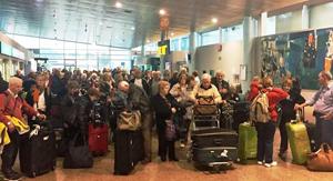 Llegada de parte de los participantes al aeropuerto de Peinador en Vigo.