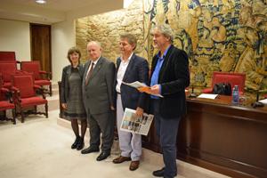 Micaela Cuesta, Xesús Alonso Montero, Mario Greco y Manuel Rivas en la presentación de la Cátedra Galicia-América.