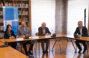 Nélida Piñón, en el encuentro al que asistió el secretario xeral Valentín García.