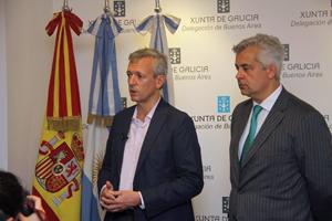 El vicepresidente en funciones del Ejecutivo gallego, Alfonso Rueda, y el delegado de la Xunta en Argentina y Uruguay, Alejandro López Dobarro, en la Delegación de la Xunta en la capital argentina.