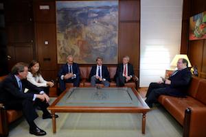 Los consejeros fueron recibidos por Juan Vicente Herrera, presidente de Castilla y León.