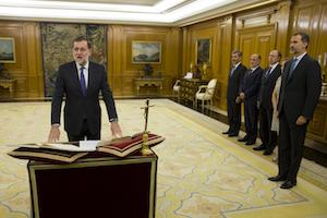 Mariano Rajoy jura el cargo de presidente del Gobierno, el pasado 31de octubre, ante el Rey Felipe VI en el Palacio de La Zarzuela.