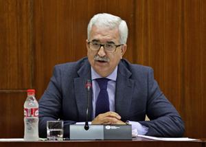 Manuel Jiménez Barrios explicó en el Parlamento andaluz los presupuestos de su departamento para 2017.