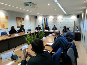 El encuentro estuvo presidido por Javier Aguilera (al fondo).
