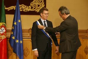 Feijóo fue distinguido por el embajador de Portugal, Francisco Ribeiro de Menezes.