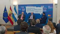 De Grandes Pascual, Pagni y Cué protagonizaron la sesión inaugural de los coloquios.