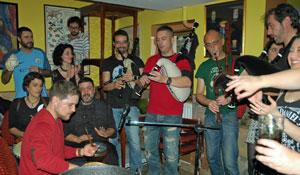 Actuación del grupo 'Clan Maragato' en el Centro Gallego de Londres.