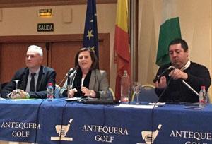 Ángel Luis Sánchez, María José Sánchez Rubio y el presidente de FAER, Mario Alonso.