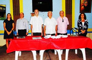 En el centro Francisco Montalbán y Carmelo González presidieron el acto.