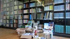 Algunos de los libros donados.