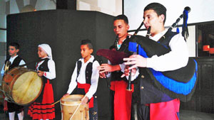 Alumnos de la Escuela de Gaitas de la FAAC.