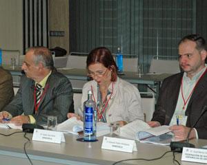 Lorenzo Javier Rolo, Isabel Jara y Eduardo Pellón, representantes de la colectividad española en Venezuela.