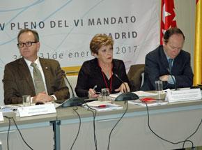 Mª Ángeles Ruisánchez, consejera por Argentina, leyó las propuestas en materia sociolaboral.