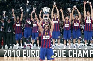 Los jugadores del Barça, con su capitán Roger Grimau en primer plano, tras ganar la Euroliga.