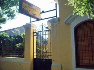 Fachada de la sede del Centro Español de Tres Arroyos.