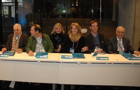 Miembros del PP en Europa y América juntos en la reunión.