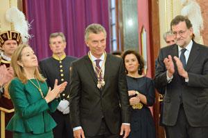Ana Pastor, Mauricio Macri y Mariano Rajoy en el Congreso de los Diputados.
