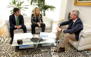 José Manuel Rey Varela, Edelmira Barreira y Alfonso Rueda, durante su reunión.