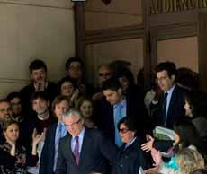 El juez Garzón abandona la Audiencia.