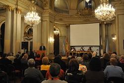 El delegado del Gobierno gallego, Alejandro López Dobarro, dio apertura a la conferencia.