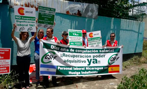 Protesta del personal de la Aecid en Nicaragua.