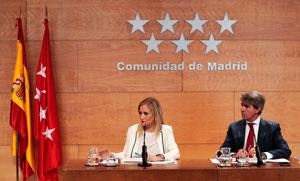 La presidenta de la Comunidad de Madrid, Cristina Cifuentes, y el consejero de Presidencia, Justicia y Portavoz del Gobierno, Ángel Garrido, informaron sobre la Estrategia.