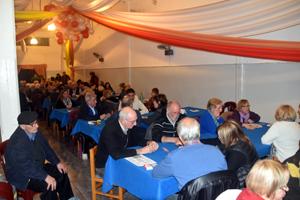 El salón del club social Cutcsa se vio colmado de participantes.