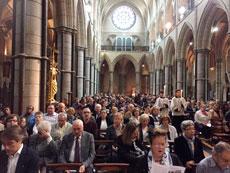 Imagen de los asistentes a la ceremonia.