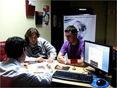 Atención de una consulta en la sede del SIJE en Lima.