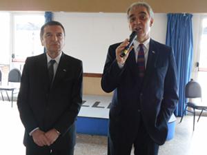 José María Vila Alén dando su discurso.