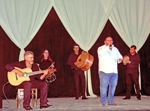 Actuación del grupo Arume.