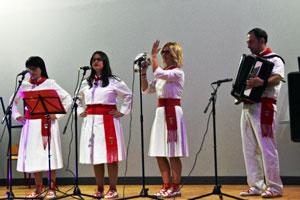 Actuación del grupo Albitas Canta.
