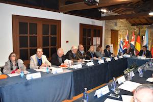 Parte de los miembros de la Comisión Delegada del Consello de Comunidades Galegas.