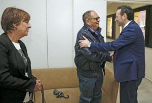 Begoña Serrano, Longinos Valdés y Guillermo Martínez.