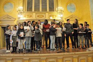 Los alumnos de las ALCE cantaron villancicos.