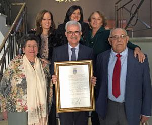 Margarita Periñan Aragon, primera fila a la izquierda, Manuel Jiménez Barrios, centro, con otros miembros de Agader.