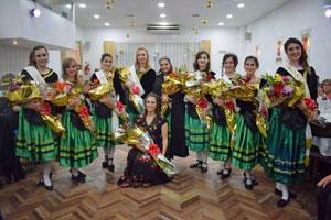 Las jóvenes que participaron en el acto.