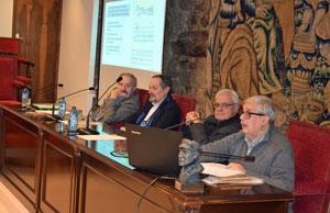 Ramón Villares, el director del Instituto José Cornide, Xosé Fraga, el presidente de la RAG, Víctor F. Freixanes, y Fernando López-Acuña.