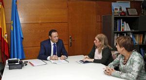 Guillermo Martínez, Pilar Burgo y Begoña Serrano.
