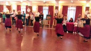 Actuación del grupo de baile de la entidad.